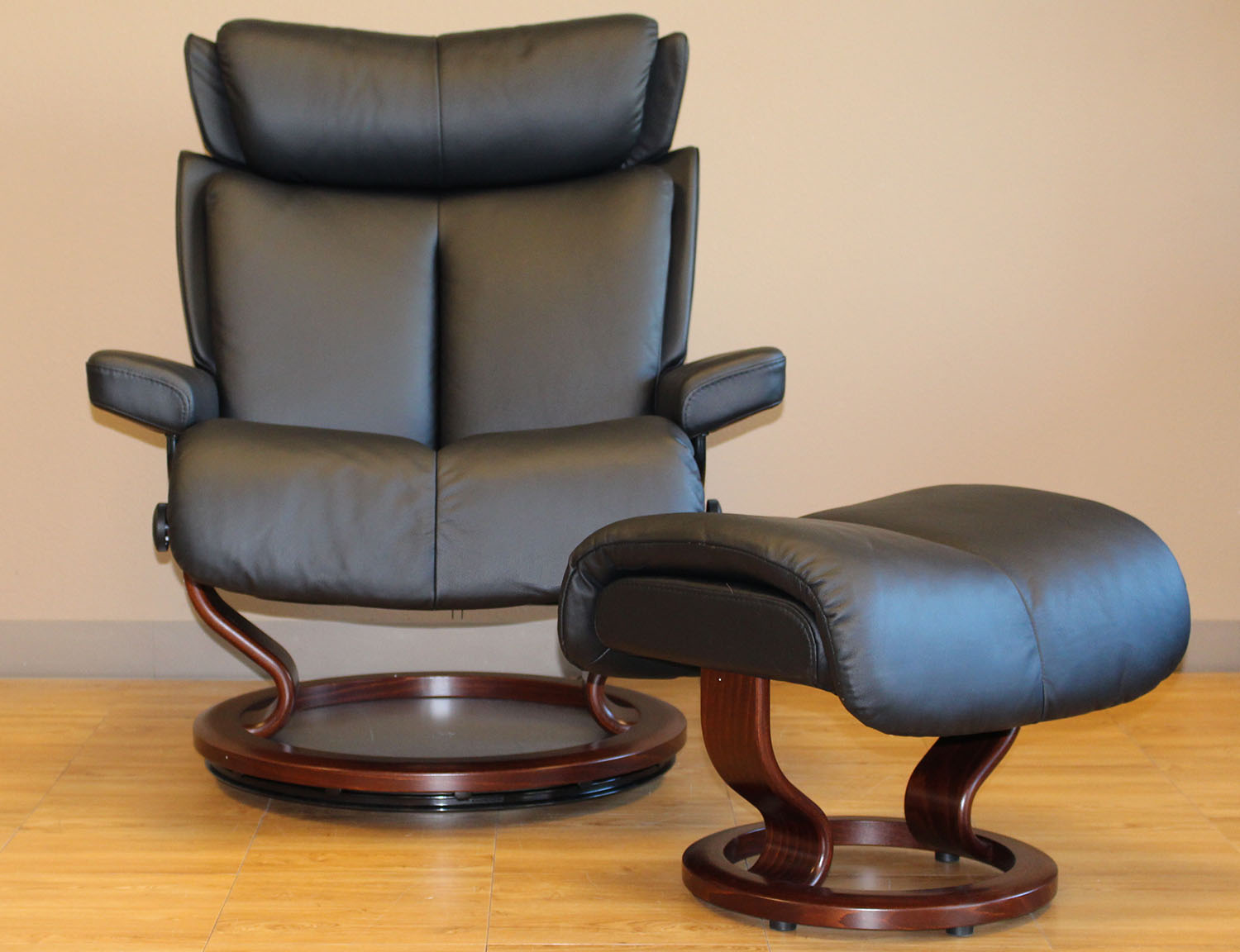 Leather by ekornes stressless magic paloma black leather chairs