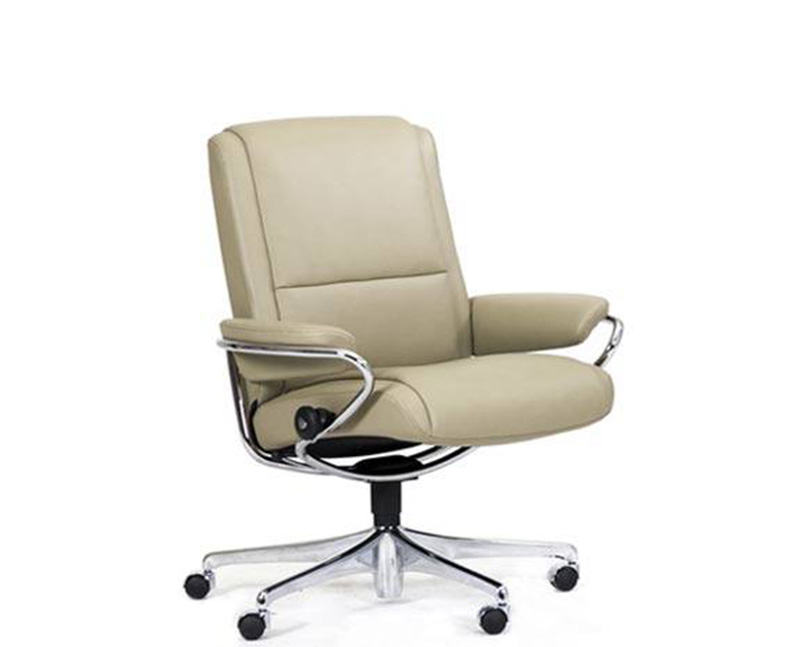 ekornes stressless paris low back leather recliner and ottoman