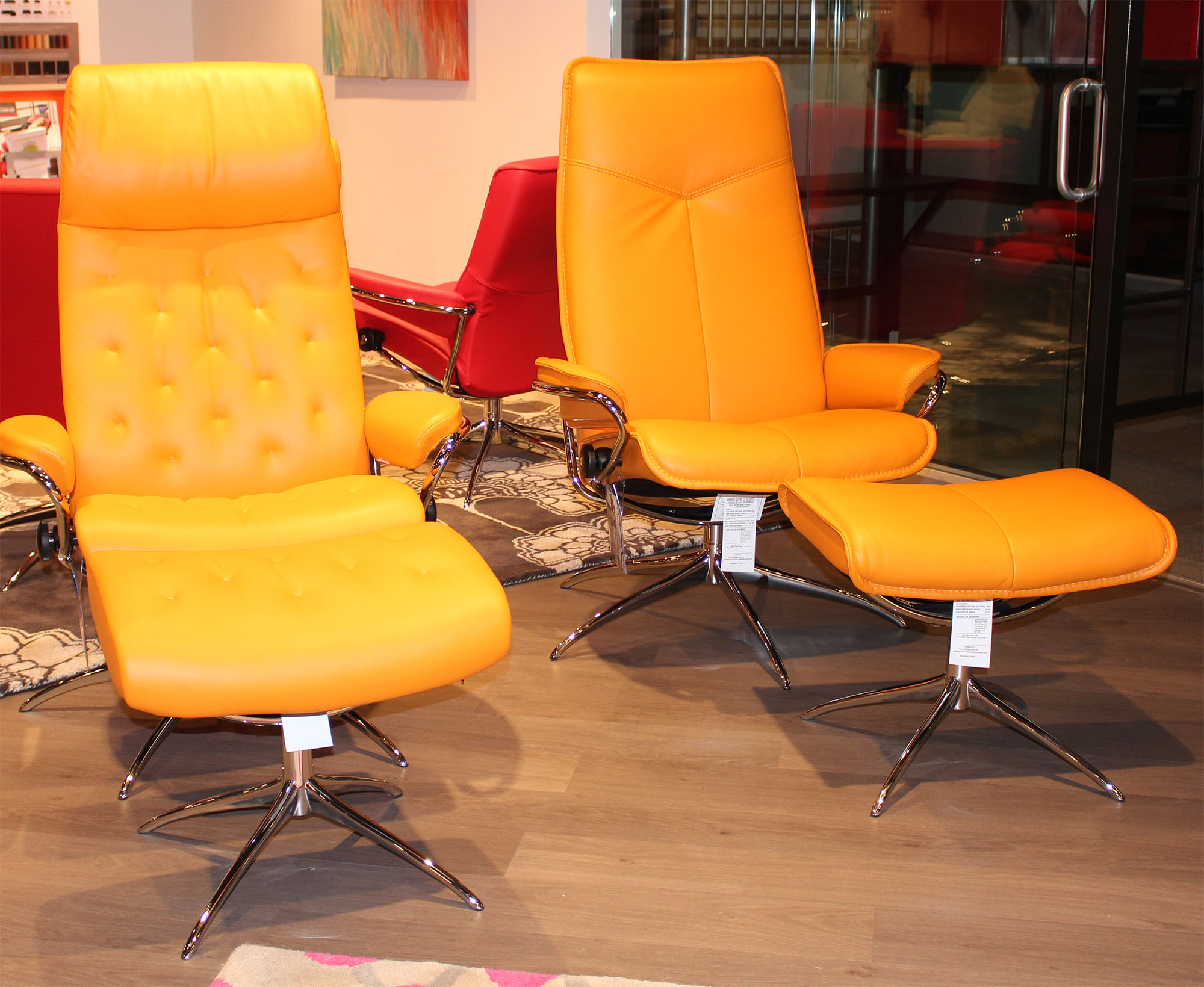 Stressless paloma clementine leather by ekornes for Paloma leather sofa