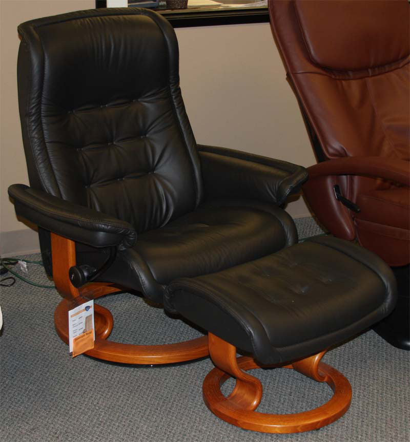 Stressless Royal Royalin Black Leather Recliner