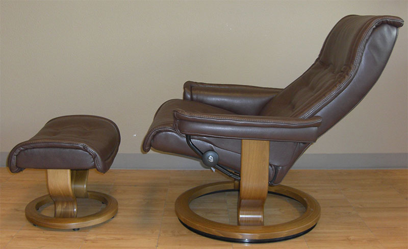 Stressless Royal Royalin Dark Brown Leather Recliner