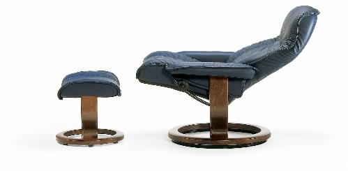 Stressless Governor Leather Ergonomic Recliner And Ottoman By Ekornes ...