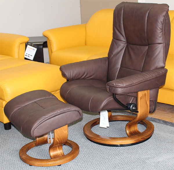 Stressless Chelsea Small Mayfair Paloma Chocolate Leather by Ekornes